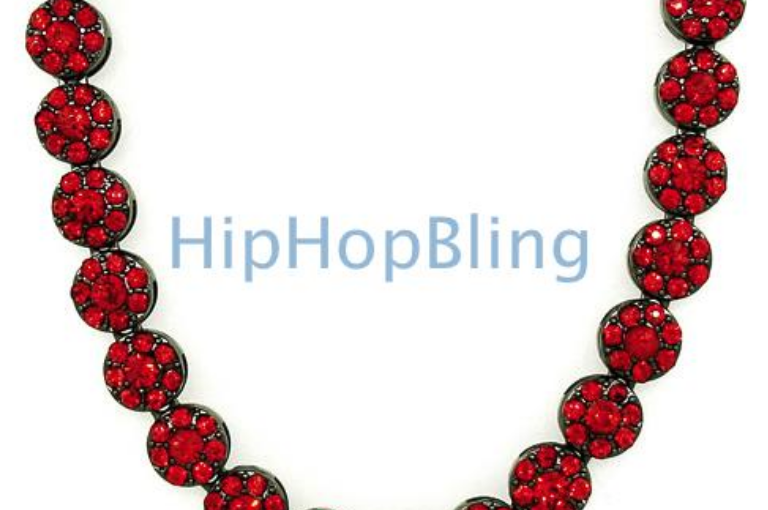 Stay Fresh With A New Red On Black Cluster Chain