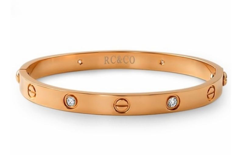 Make Sure Your Woman Is Happy This Holiday Season With A Rose Gold Custom Bracelet