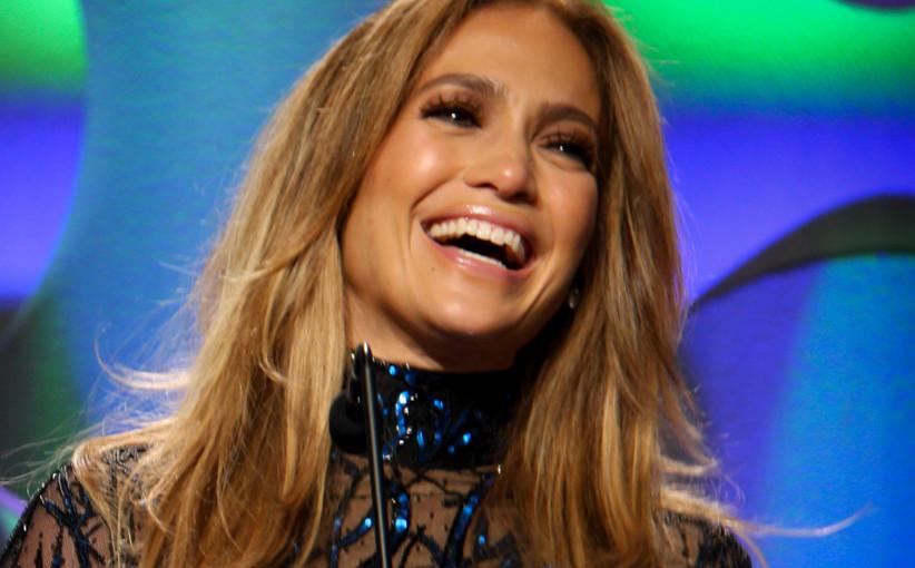 Jennifer Lopez Promises $1 Million Towards Puerto Rico Relief
